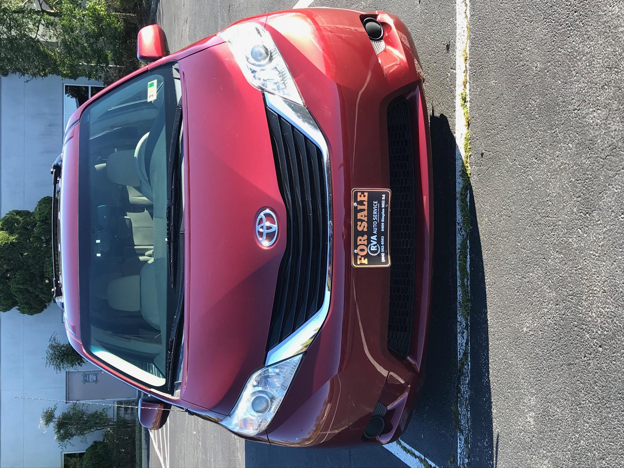 2012 Toyota Sienna LE Minivan 1174