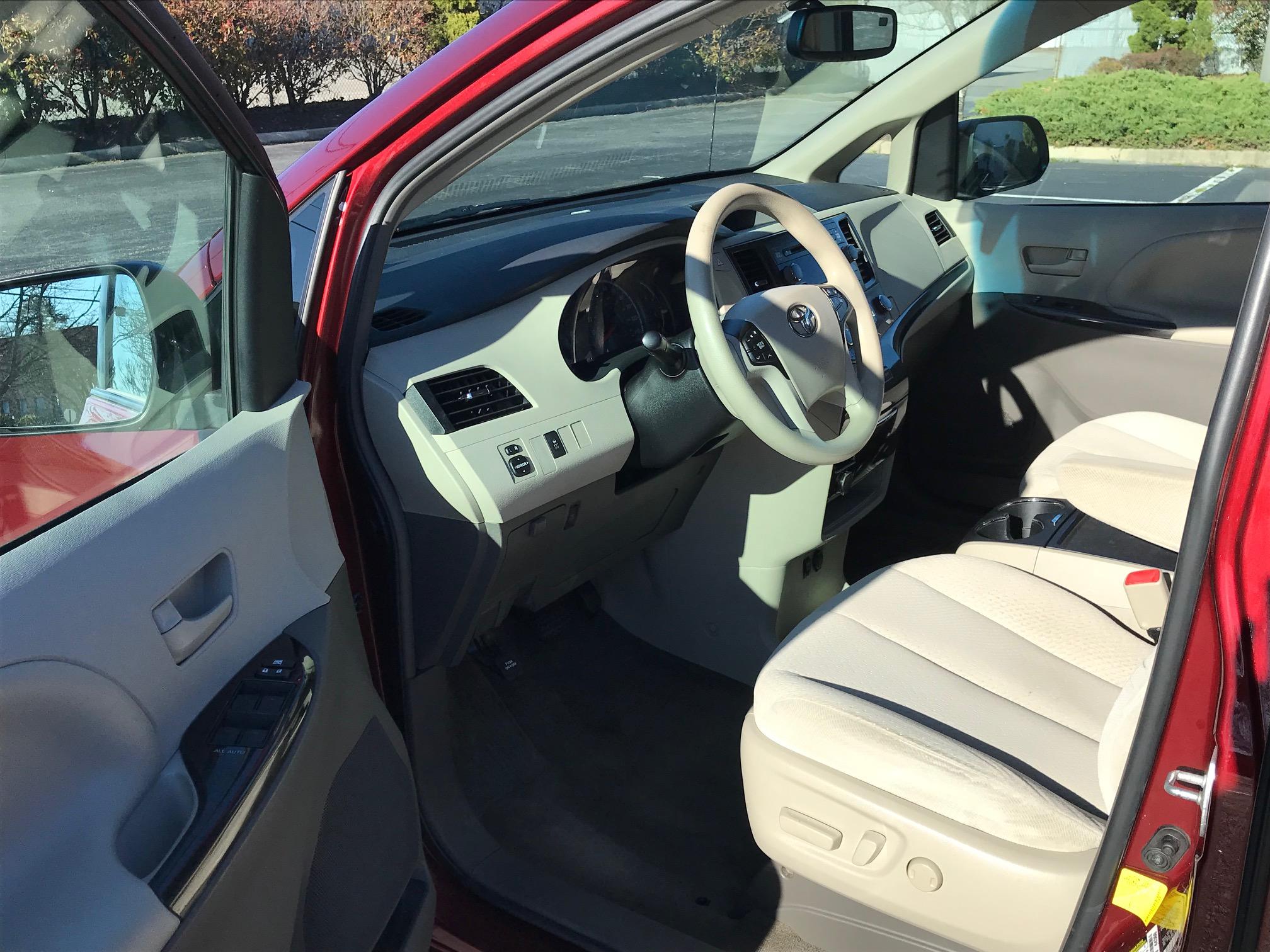 2012 Toyota Sienna LE Minivan