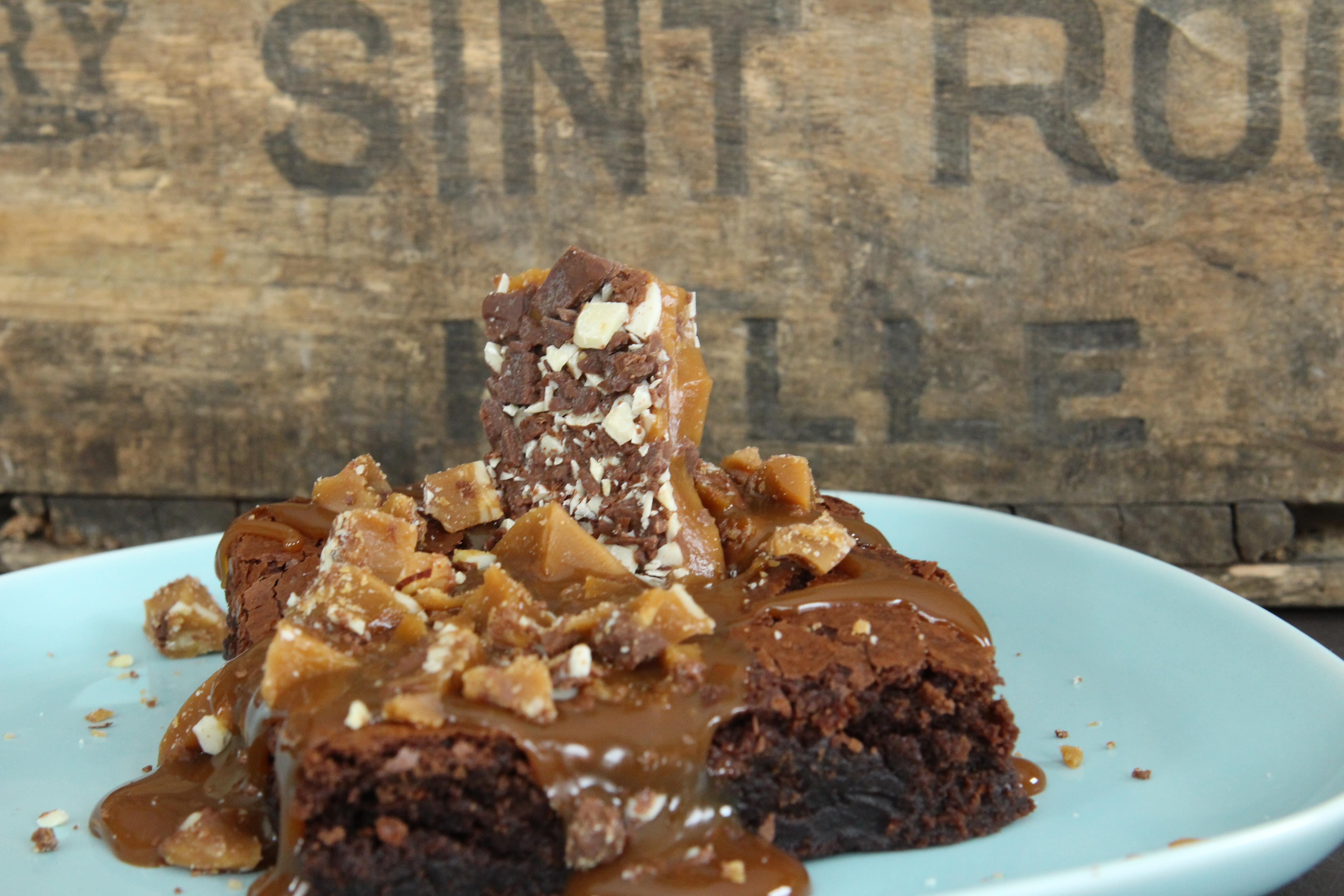 Fudge brownie w/almond toffee crunch