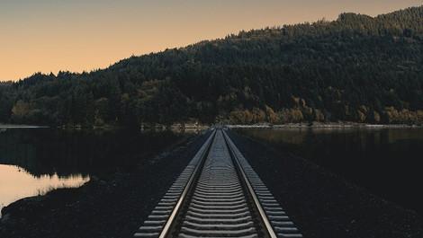 電車に乗っていると妙に落ち着くのは何故?トレリラ 〜トレイン効果でリラックス〜