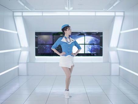 在YouTube上預先發布的濱崎美穗以超現實主義的世界觀在宇宙飛船上跳舞的MV是以SNS為中心的熱門話題!