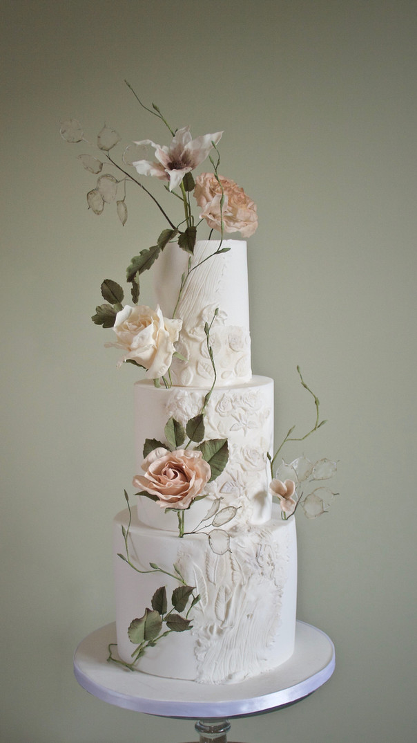 Natural Beauty Wedding Cake