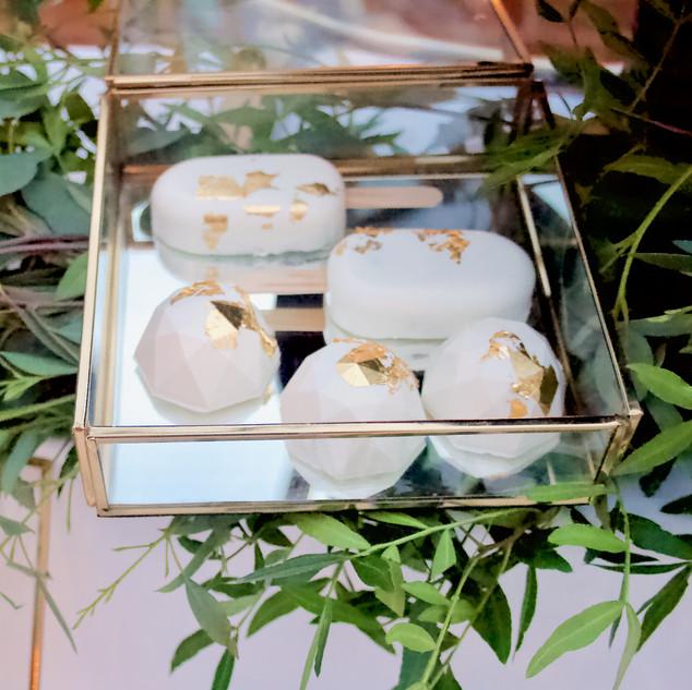 Ivory & Gold Leaf Favours