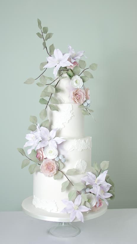 Trailing clematis sugar flower wedding cake