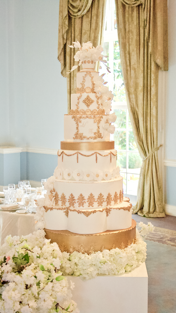 Regal Ivory & Gold Wedding Cake