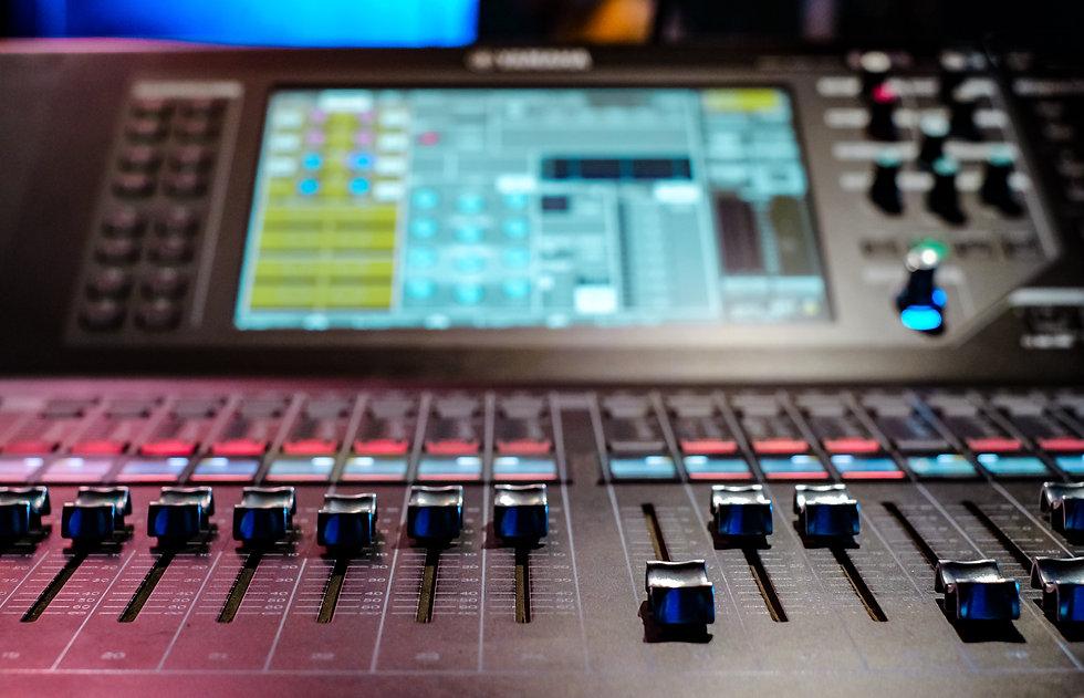 Services - PA Hire London, Sound Hire London, Sound System Hire, London, Sound Engineering, DJ Equipment Hire London
