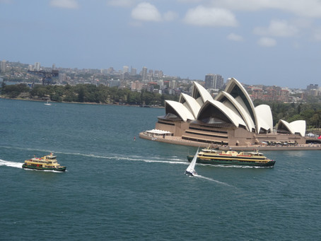 What can you enjoy in Sydney for free?