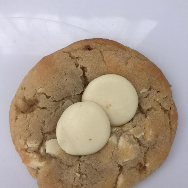 White Chocolate Chips Cookie