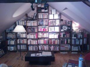 Bibliotheque_sapin_de_Douglas_teinté_hui