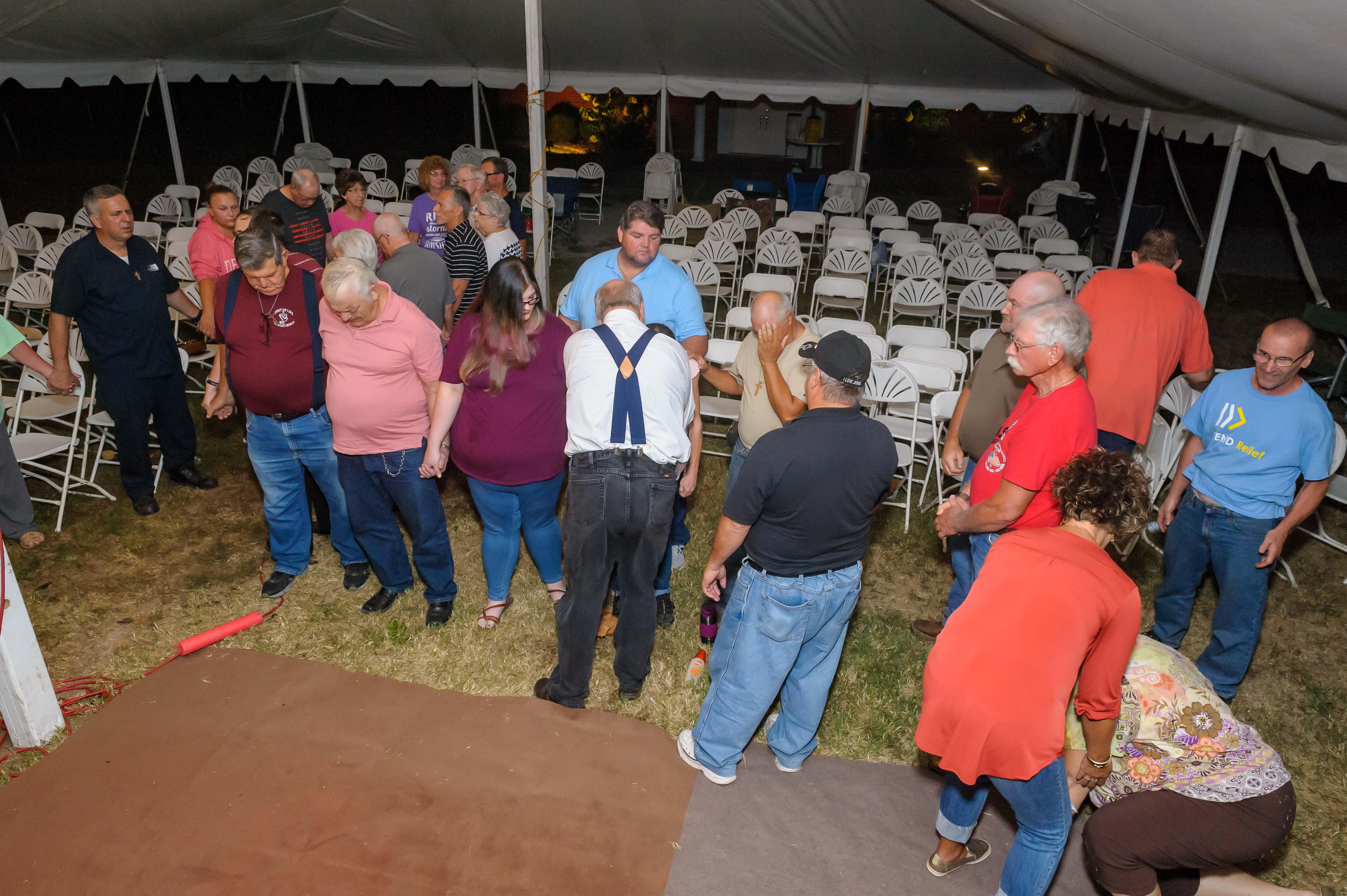 Du Quion tent revival 2019-0645