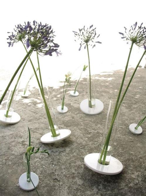 Vase Acrobat