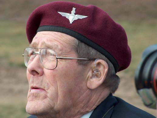 emotional-veteran-remembers-2n-1562501.j