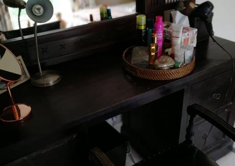 vintage dressing table.jpg