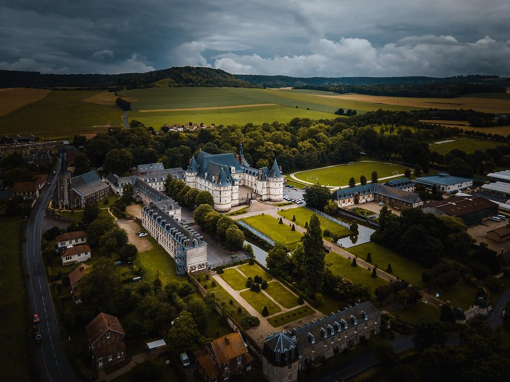Le Château de Mesnières-en-Bray vu du ciel