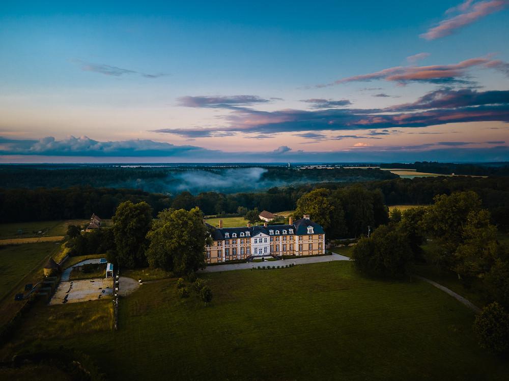 Le Château d'Argeronne vu du ciel au coucher de soleil - Studio Minh-Son