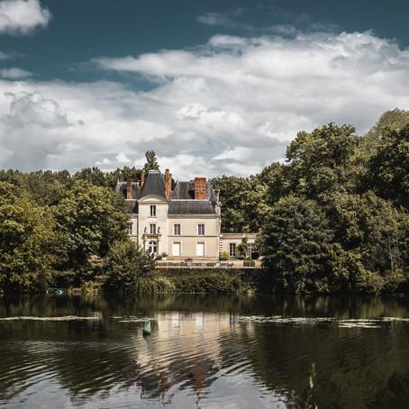 Sur la route vers la Loire, le Château de Mirvault à Château-Gontier-sur-Mayenne.