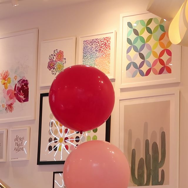Inside the beyond lovely Erin Condren store in Austin, Texas! (Scroll—_) 💖😍📒💛💜 #erincondren #pl
