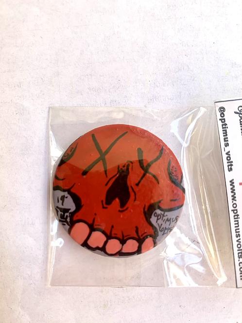 Mini Skull button