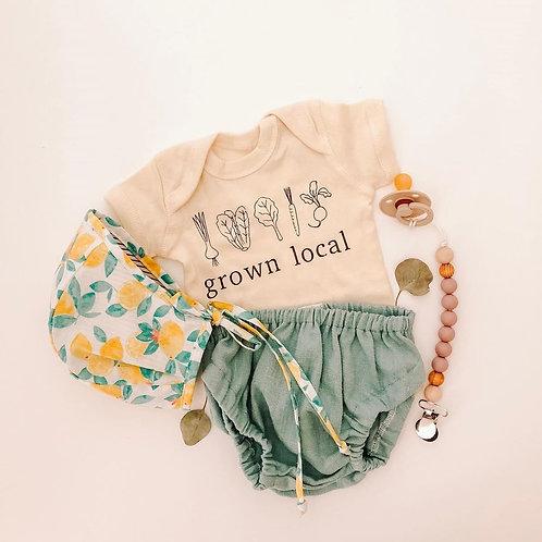 Reversible Lovely Lemons Bonnet