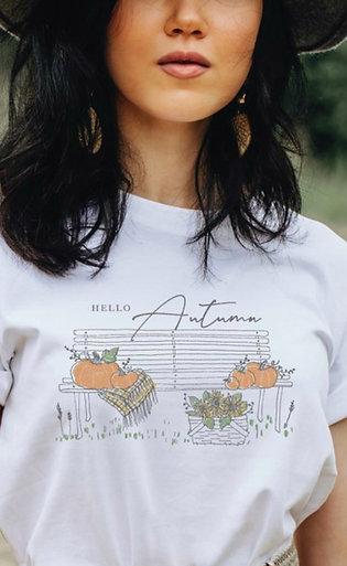 """""""Hello Autumn"""" Tee"""