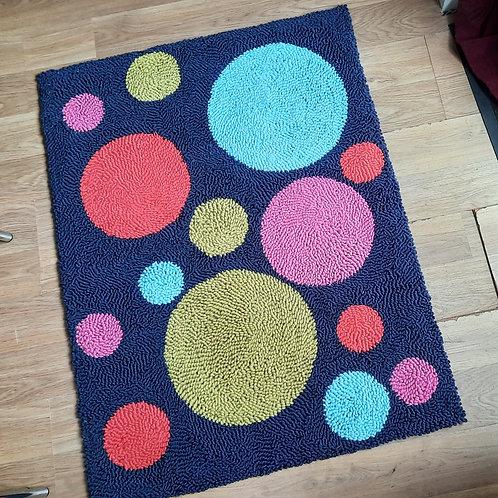 Spots (rug)