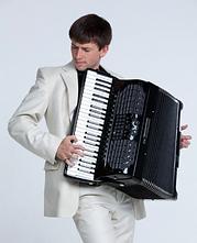 Александр Поелуев