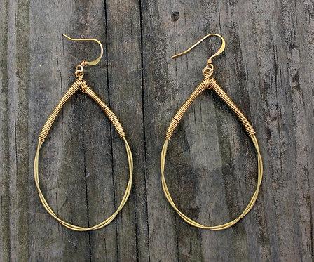 Twisted Tear Drop Earrings (Gold)