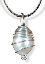 Pearl Orbit Pendant