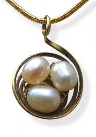 Nest Circular Copper with Pearls Pendant
