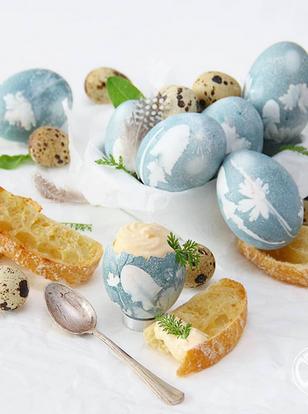 Ostereier mit Blütenmuster