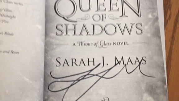 QUEEN OF SHADOWS -- Sarah J Maas