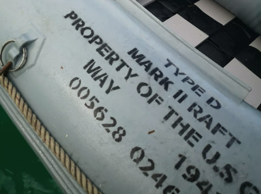 Desert Island Manhunt - Stencil