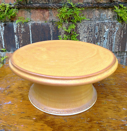 Cake stand in Nutmeg Glaze