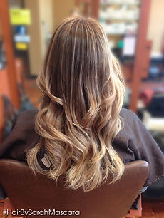 Sublte ombre melting natural brown into honey blonde