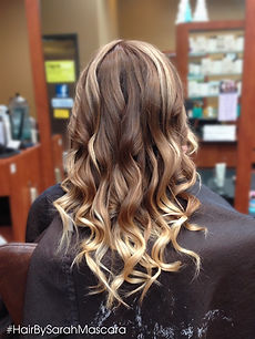 Beachy waves show off this color melt/ombre