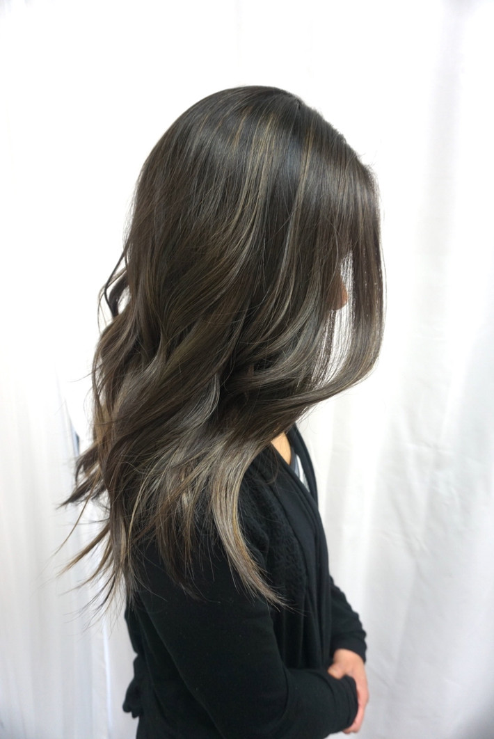 How to Get and Maintain Ash Hair Color