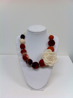 floral wool beaded necklace