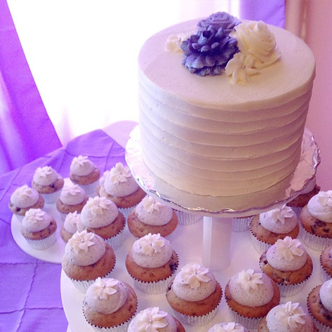 Rustic Vanilla with Buttercream Flowers