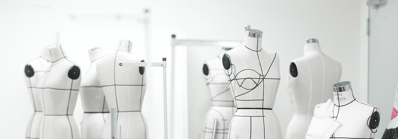 קרן אשד מעצבת אופנה וביגוד בסגנון צנוע