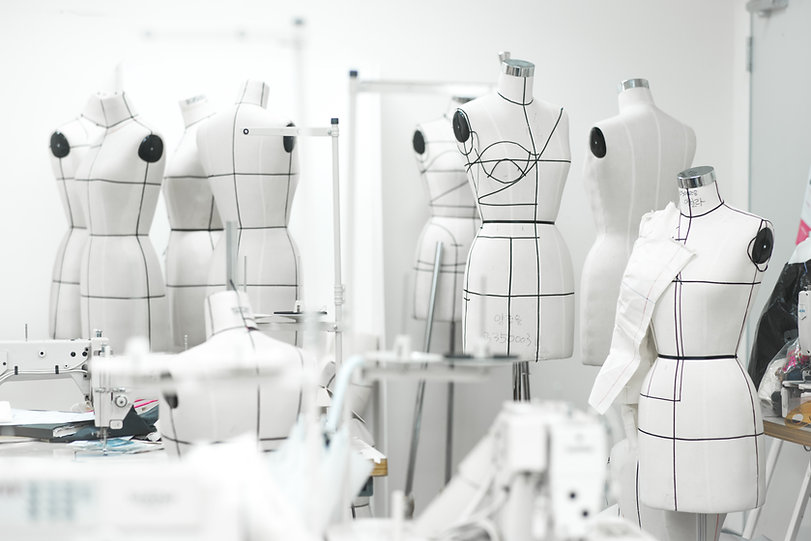 La tenue dont vous rêvez, dessinée et conçue pour vous, faite pour votre vie et votre silhouette