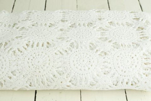 'Daisy' Crochet Vintage Lace Tablelcoth