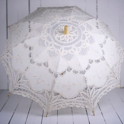 'Miss O'Hara' - Cream Battenburg Lace Parasol