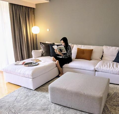 Vivienne Living Room.png