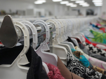 """Thrift shops: from """"ugly ducklings"""" to fashionists favorites"""