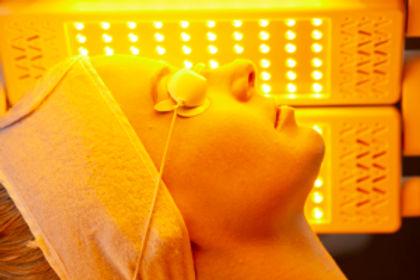 MediLUX-Treatment-Yellow-Light-01-300x20