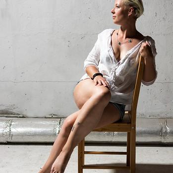 Frau mit langen Beinen