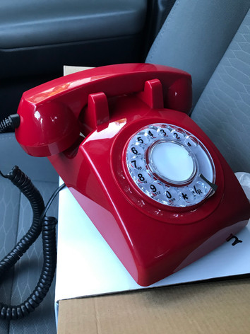 Sweet retro phone will make a great addition to the shop.