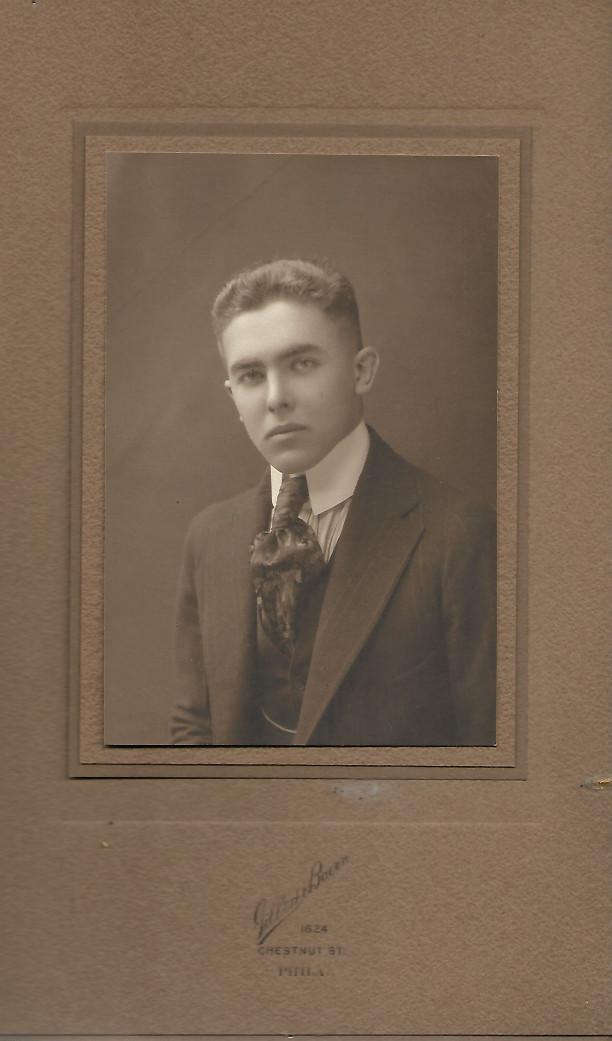 Russell E Underwood 1918.jpg