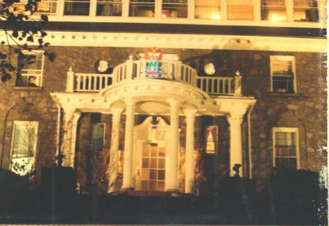 House 1982c.jpg