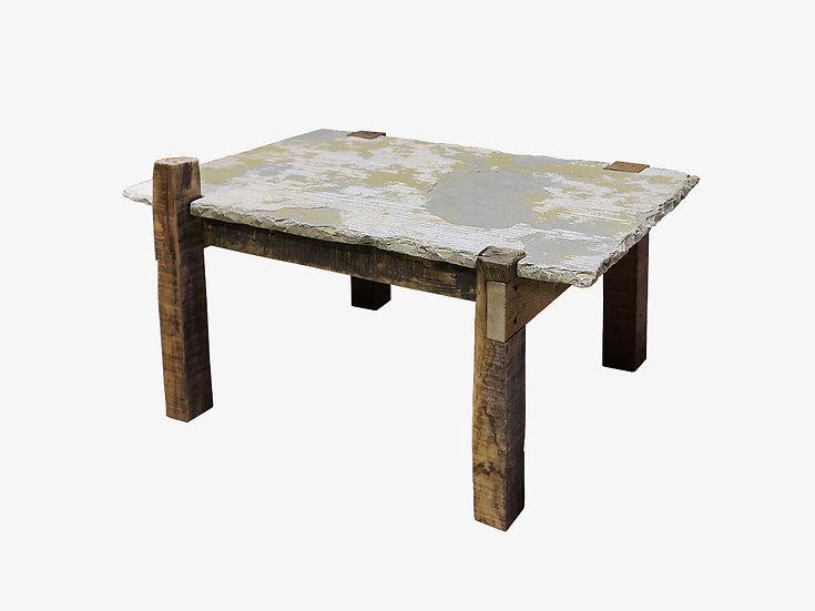 ろくでなしのテーブル 規格外の天然石と解体材